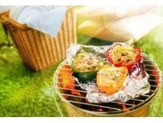 Grillowana papryka nadziewana kuskusem, pieczarkami i żółtym serem Podlaskim MSM Mońki