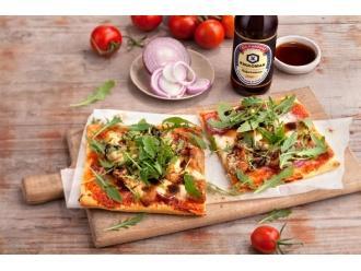 Pizza z kurczakiem i czerwoną cebulą