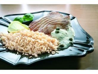 Smakowity tuńczyk w kaparowym przybraniu