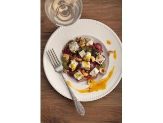 Przepis na sałatkę winogronową z Kamiennogórskim serem pleśniowym