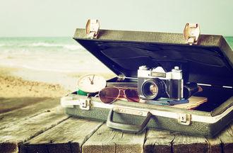 Aparat fotograficzny czy smartfon – z czego częściej korzystamy podczas wakacyjnych wyjazdów?