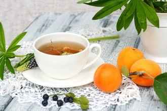 Herbaciane smaki lata – morelowe love na chłodniejsze wieczory