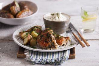 Uda z Kurczaka Zagrodowego pieczone w ziołowej maślance z ziemniakami i serkiem wiejskim