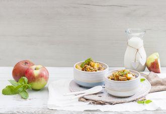 Złocista owsianka z jabłkami na diamantowe śniadanie
