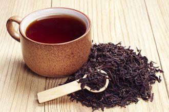 Dlaczego warto pić czarną herbatę?