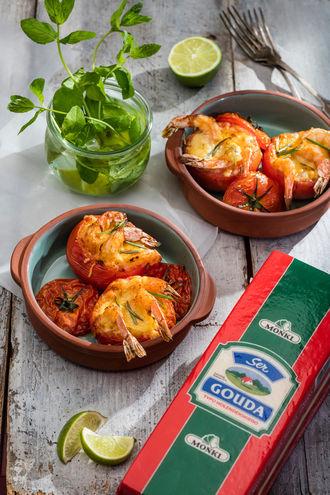Krewetki zapiekane w pomidorach z serem