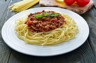 Makaron spaghetti po bolońsku
