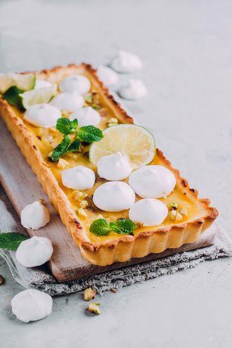 Cytrynowo bezowa tarta z pistacjami