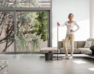Domowe porządki w stylu fit – sprzątaj i chudnij
