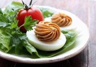 Jajka faszerowane na ostro