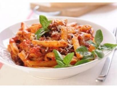 makaron-penne-z-sosem-podwojnie-pomidorowym-1