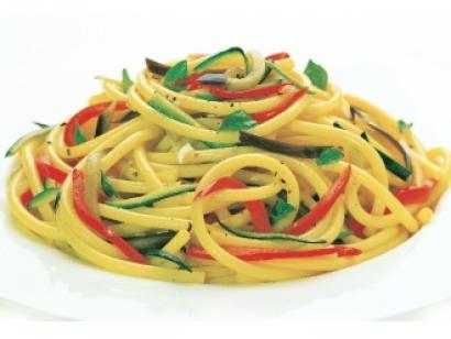 neapolitanskie-przysmaki-bucatini-z-warzywami-1