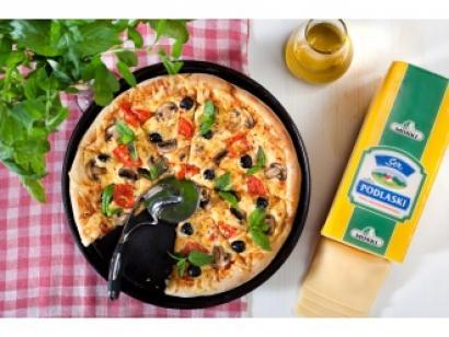 pizza-z-serem-podlaskim-msm-monki-1