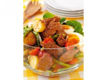 orientalna-salatka-nicejska-z-tunczykiem-1
