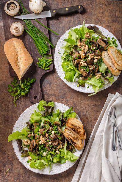chrupiaca-salatka-z-pieczarkami