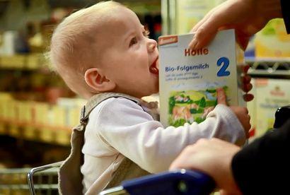 zywienie-dziec-mleko-krowie-czy-mleko-modyfikowane