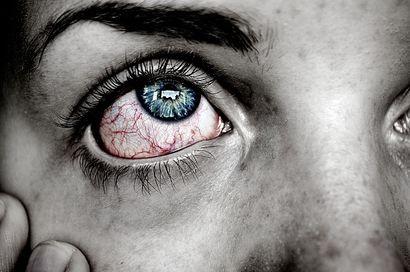 po-przebudzeniu-bola-cie-oczy