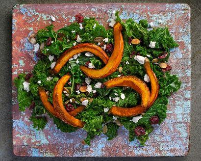 salatka-z-pieczona-dynia,-jarmuzem-i-serem-feta
